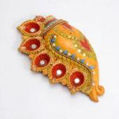 Conch Shaped Dia Set Gifts toOjhar, arthi thali to Ojhar same day delivery
